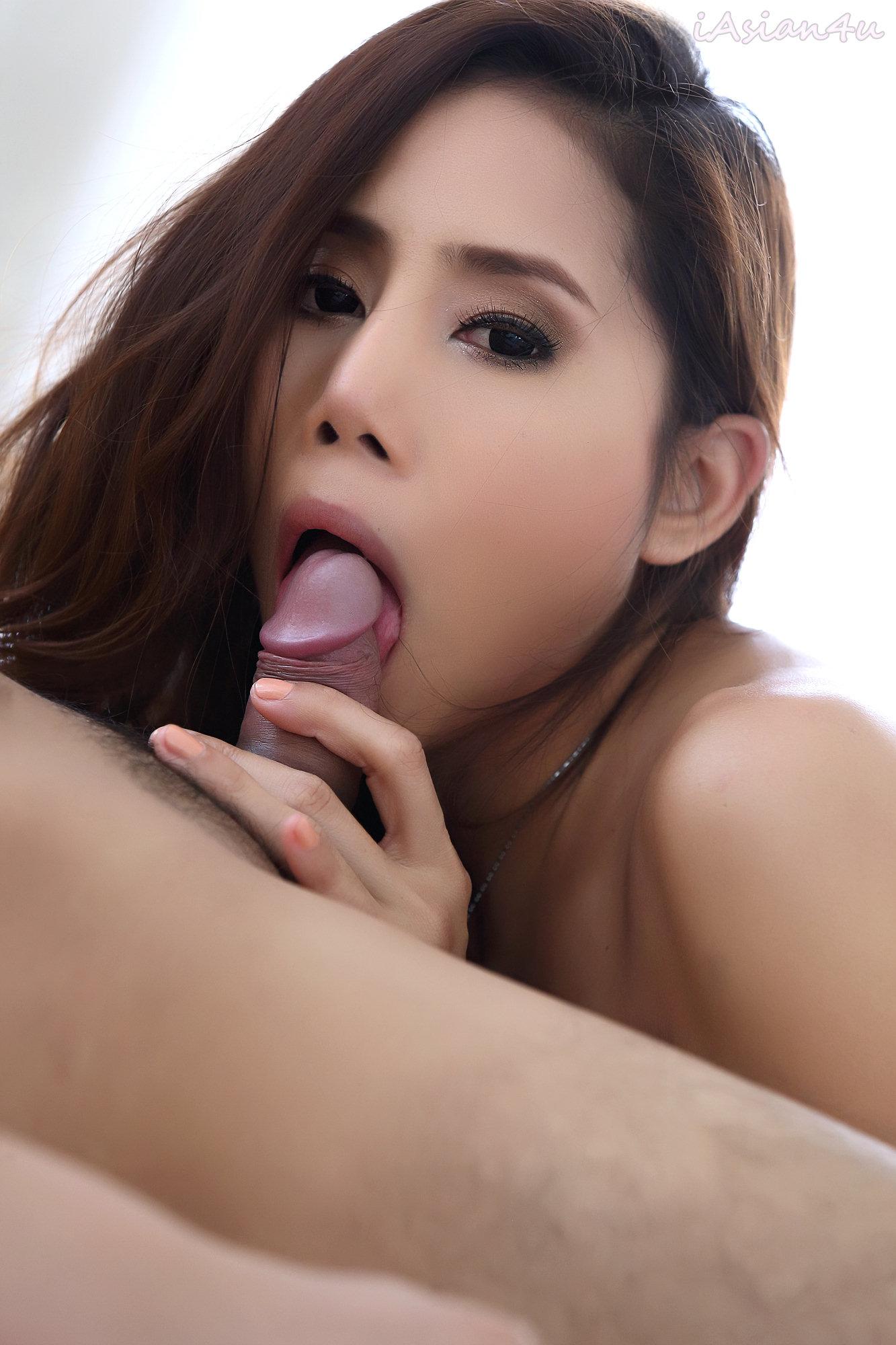Having sex with asian wemon